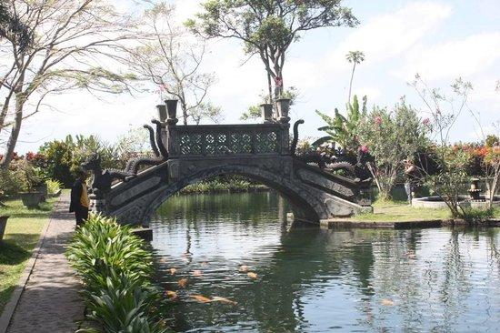 Karangasem, Indonesia: Pont style Japonais