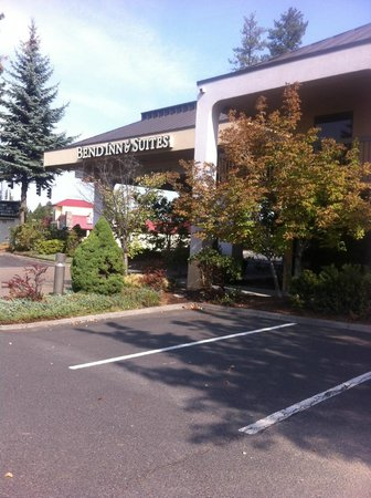 Red Lion Inn & Suites Deschutes River – Bend: Previously a Hampton Inn