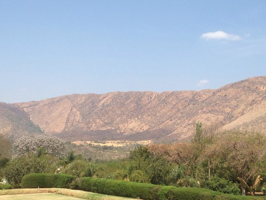 Protea Hotel Rustenburg Hunters Rest: View from the restaurant verandah
