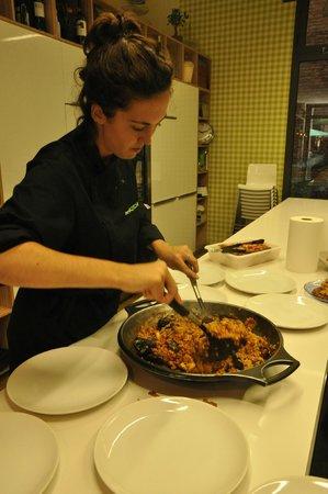 Bcnkitchen : Serving up the paella!