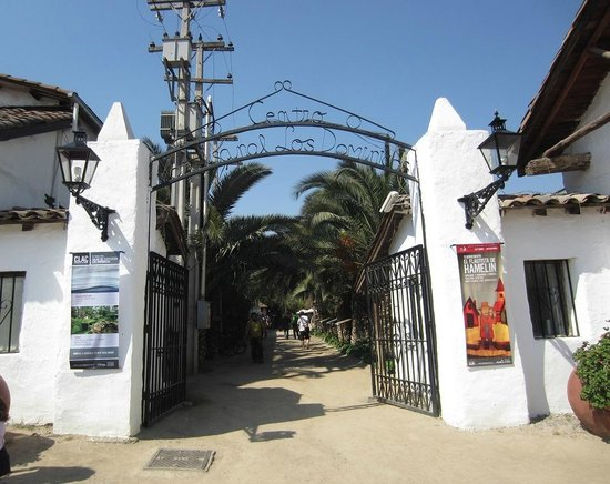 Los Dominicos Handicraft Village : Los Dominicos - Entrance