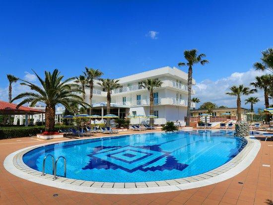 Hotel Olimpico: Hotel Main View