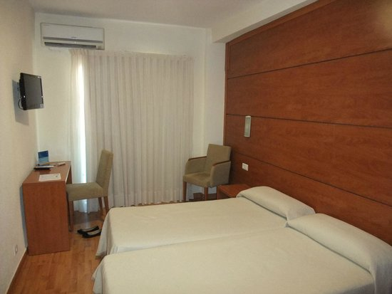 Hotel Centro Mar: fourth floor room