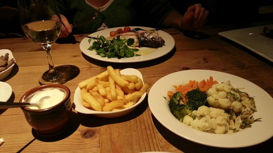 The Smugglers Inn: Our Meal - the Sea Bass (special) was lovely.  My dish was not shown in this picture