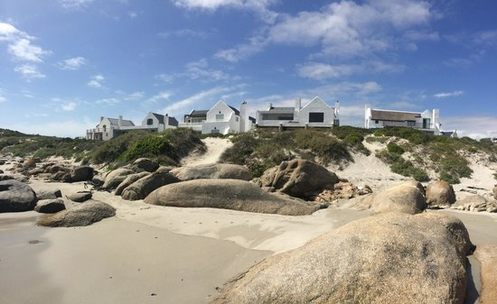 Paternoster Dunes Boutique Guest House: Paternoster Dunes Boutique Hotel 2nd from right