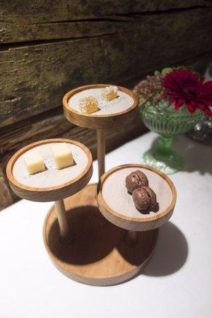 Restaurang Sjomagasinet : A very cute post dessert treat! Spoilt