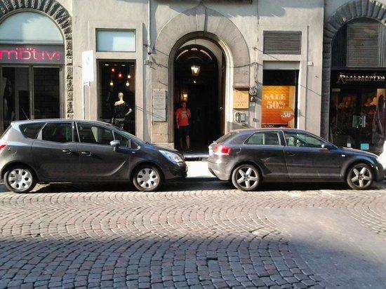 Tourist House Battistero : Вход в отель