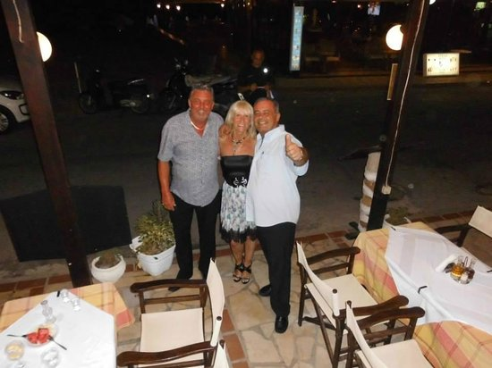 Korali Restaurant : my husband, myself and Ioannis from Coralis Restaurant