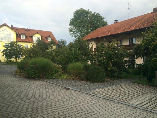 Hotel Nummerhof: Территория отеля