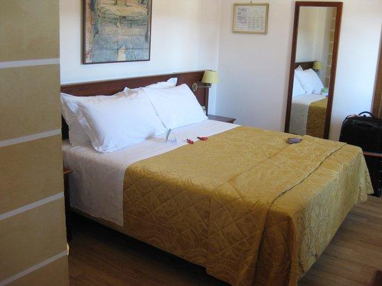 Hotel Aurora Room