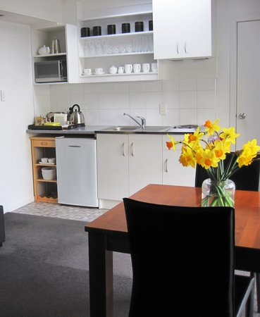 Acorns Wellington Bed and Breakfast: Kowhai studio