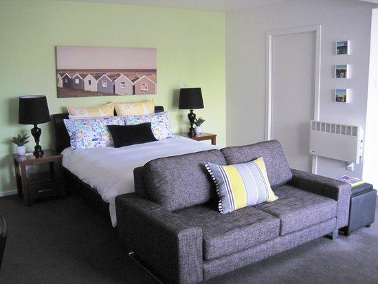Acorns Wellington Bed and Breakfast: Kowhai studio