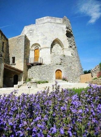 Simiane-la-Rotonde, Frankrike: Château médiéval de Simiane la Rotonde, Rotonde côté cour.