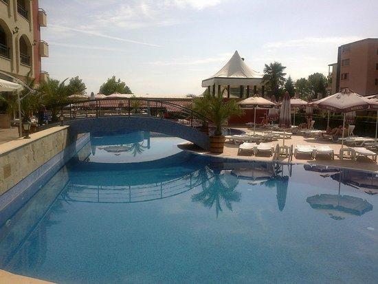Nobel Hotel: pool