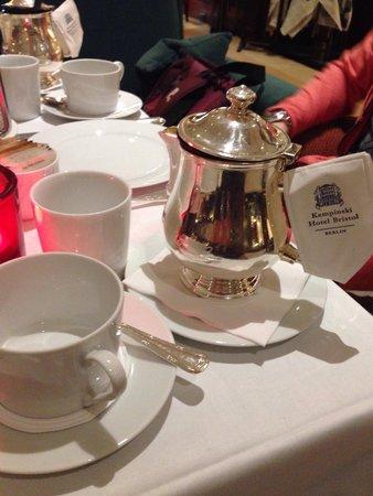 Kempinski Hotel Bristol : Classy elegant tea.. I had granny's garden tea (rhubarb with bourbon vanilla)