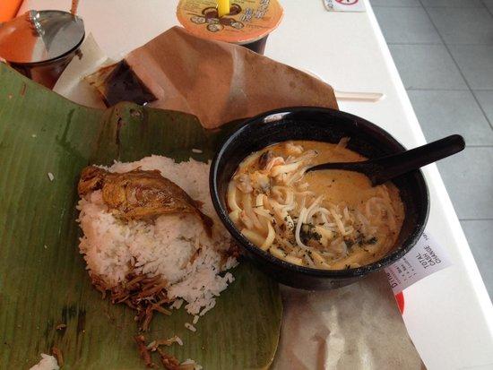 328 Katong Laksa: Seafood Laksa and Nasi lemak