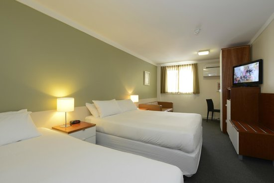 Sullivans Hotel : Standard Family Room