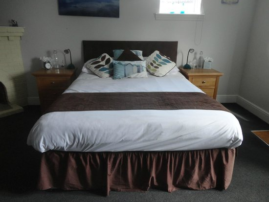 Victory at Mersea: Our room