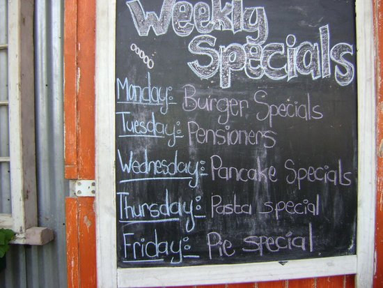 Gisters Restaurant: Specials board