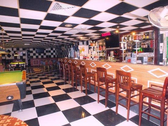 Al Bhajah Hotel: Sports Bar Launge