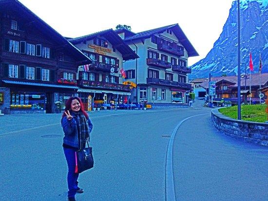 Sunstar Alpine Hotel Grindelwald : Hotel's front yard