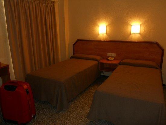 Hotel Alameda: Habitación...