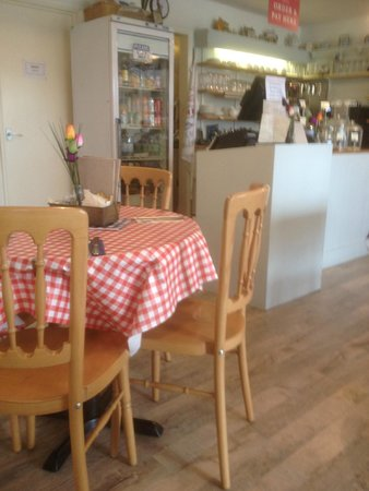 The Singing Kettle Tea Room and Eatery: Inside The Singing Kettle,3 Kistor Place,Torquay