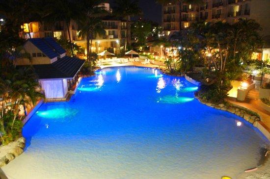 Novotel Cairns Oasis Resort: a