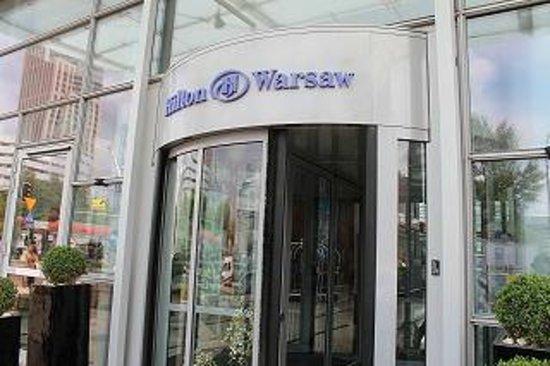 Hilton Warsaw Hotel & Convention Centre : 外観