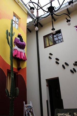 Mama Simona Hostel : Eingangs-/Gemeinschaftsraum