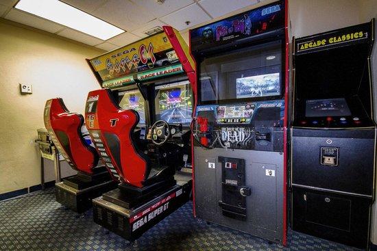 Clarion Inn  & Suites Miami Airport: Game Room
