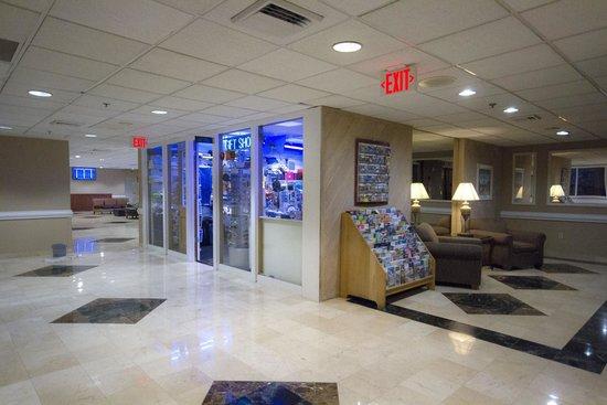 Clarion Inn  & Suites Miami Airport: Gift Shop