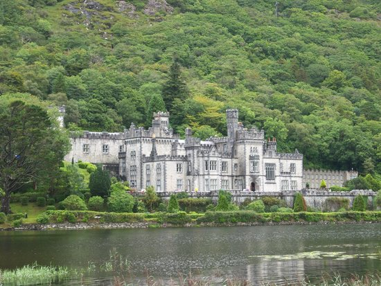 Healy Tours : kylemore abbey