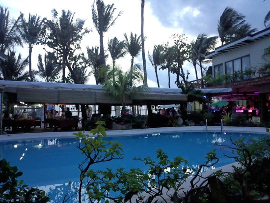 Red Coconut Beach Hotel: プール