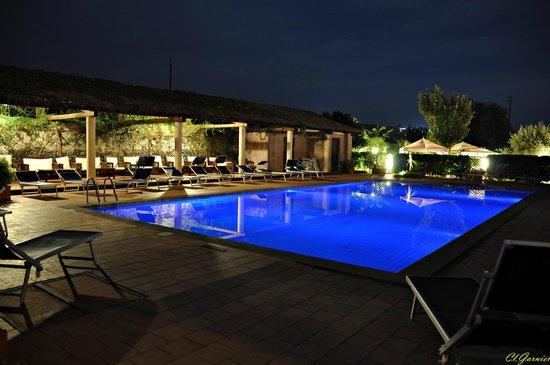 Etna Hotel: Piscine la nuit