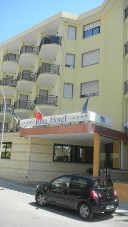 """Rina Hotel: Отель"""" Рина"""""""