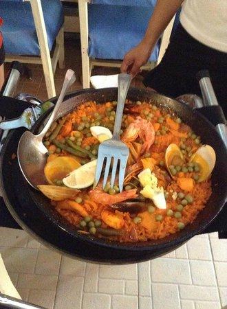 Ole Spanish Tapas Bar & Restaurant : パエリア最高