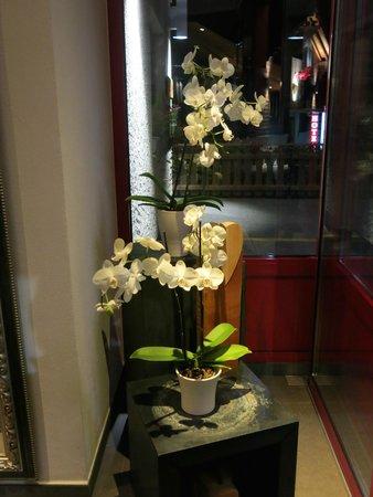 Hotel Bellwald : Floral arrangements