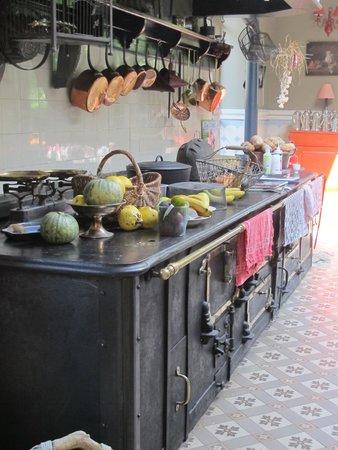 cuisine picture of chateau de vaulx saint julien de civry tripadvisor. Black Bedroom Furniture Sets. Home Design Ideas