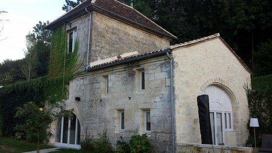 Chateau de Courtebotte: Extérieur de La suite ô