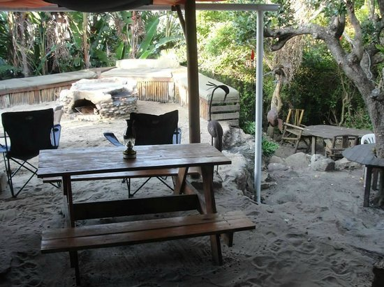 Mtentu Lodge: Outside area around the fire pit