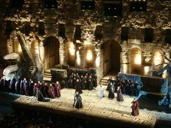 Herod Atticus Odeon : Ópera Il Trovatore, de Verdi.