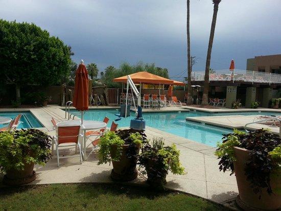 3 Palms Hotel: Pool area