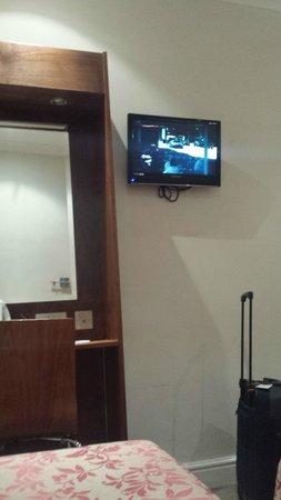 Wedgewood Hotel: Fernseher etc.