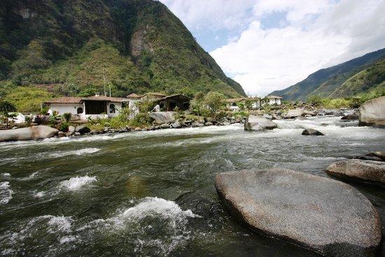 Cotacachi, เอกวาดอร์: Complejo Nangulví