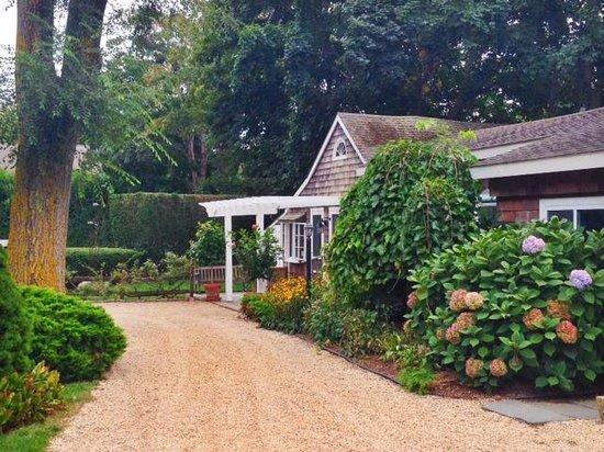 Gansett Green Manor: Captain's cottage