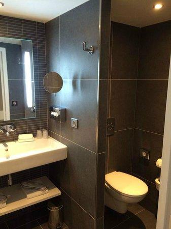 Hôtel les bains de Cabourg : Salle-de-Bain