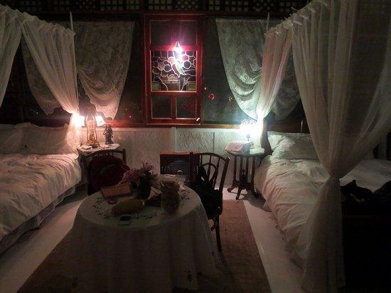 Sonya's Garden B&B: Our friends' bedroom