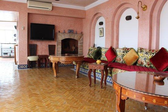 Riad Dar El Kebira : Breakfast room