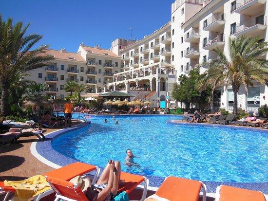 Hotel & Spa Benalmádena Palace: Poolblickseite